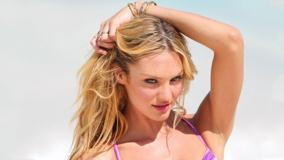 Candice Swanepoel Cute Pose At Victoria&#8217;s Secret Photoshoot